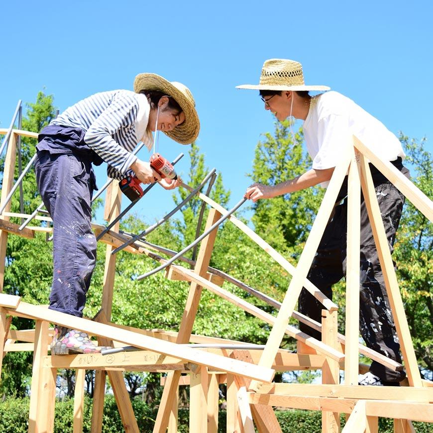 people of Niigata preparing for art festival